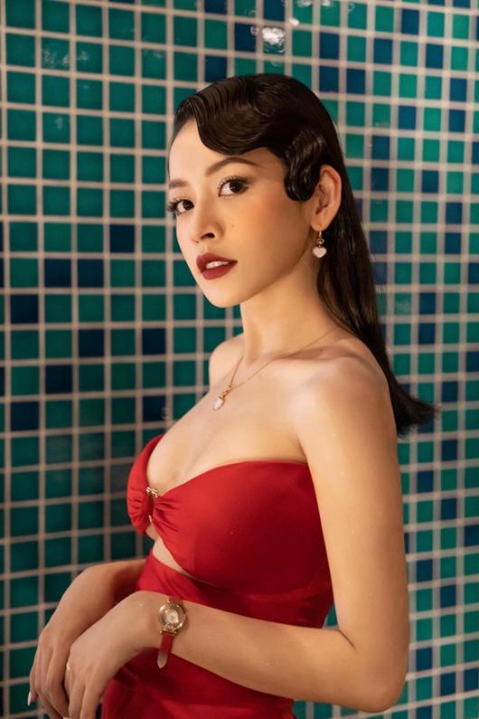 Chi Pu chăm chỉ diện trang phục gợi cảm khoe body cực phẩm hút mắt - Ảnh 6