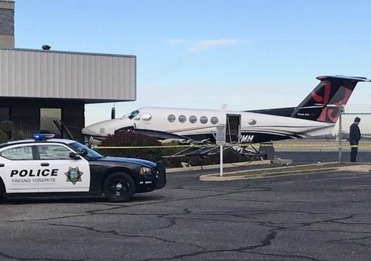 Thiếu nữ 17 tuổi đánh cắp máy bay 2 triệu đô rồi đâm vào rào chắn - Ảnh 2