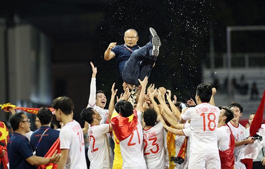 HLV Park Hang-seo viết tâm thư gửi người hâm mộ: Cảm ơn vì hành trình tuyệt vời cùng bóng đá Việt Nam - Ảnh 1