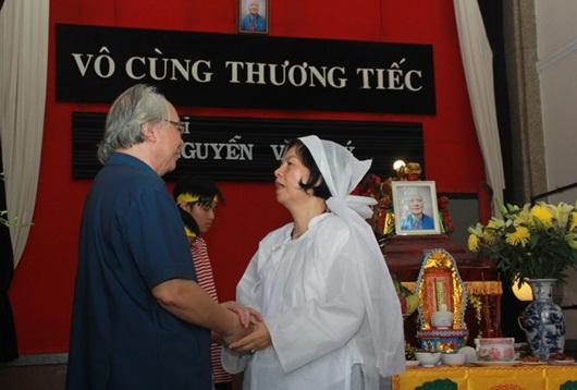 Dàn nghệ sĩ Việt ngậm ngùi đến tiễn biệt nhạc sĩ Nguyễn Văn Tý - Ảnh 7