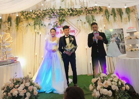 Diễn viên hài Trung Ruồi làm đám cưới sau 3 năm hẹn hò - Ảnh 1