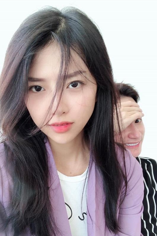 """Vợ sắp cưới Phan Mạnh Quỳnh: Hotgirl có nhan sắc ngọt ngào và đường cong """"đốt mắt"""" người nhìn - Ảnh 5"""