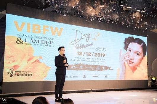Tuần lễ thời trang và làm đẹp quốc tế Việt Nam 2019: Choáng ngợp với 20 BST đến từ các nhà mốt nổi tiếng - Ảnh 2