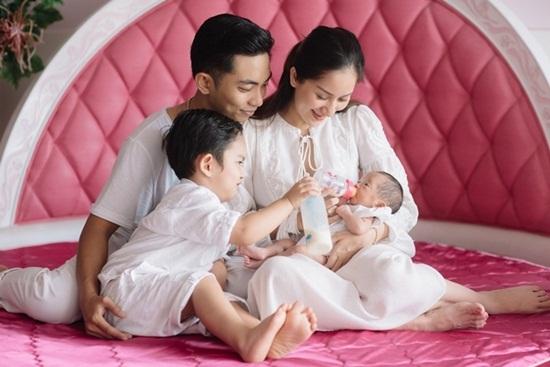 """Điểm danh 10 gia đình sao Việt """"tăng nhân khẩu"""" trong năm 2018 - Ảnh 6"""