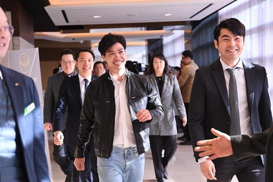 Lời dặn dò tâm huyết của thầy Park dành cho Công Phượng trong lễ ra mắt Incheon United - Ảnh 1