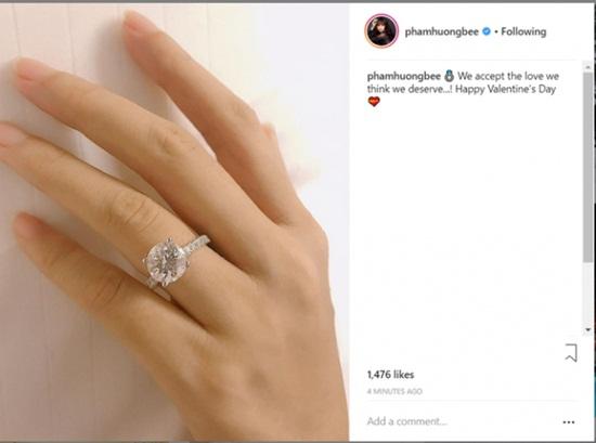 Phạm Hương bất ngờ khoe chiếc nhẫn lạ trong ngày Vía Thần tài - Ảnh 1