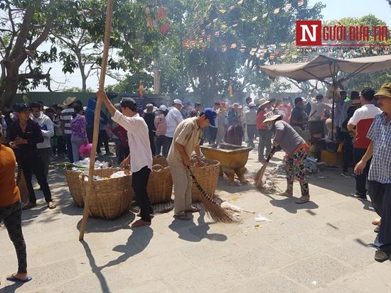 Dòng người đông đúc đổ về viếng lễ chùa Bà Đen ở Tây Ninh - Ảnh 9