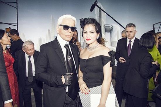 Tiết lộ người đẹp Việt hiếm hoi được trò chuyện với Karl Lagerfeld - Ảnh 1