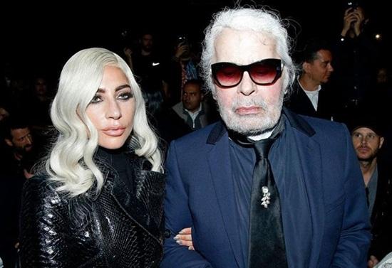 """Karl Lagerfeld: """"Ông già tóc bạc"""" của Chanel một tay vực dậy cả đế chế suy tàn - Ảnh 5"""