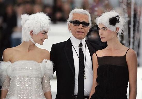 """Karl Lagerfeld: """"Ông già tóc bạc"""" của Chanel một tay vực dậy cả đế chế suy tàn - Ảnh 4"""