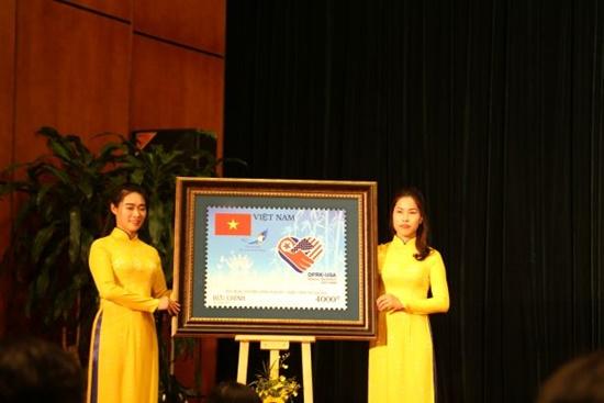 """Phát hành đặc biệt bộ tem """"Chào mừng Hội nghị thượng đỉnh Hoa Kỳ-Triều Tiên tại Hà Nội"""" - Ảnh 2"""