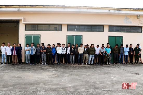 Hà Tĩnh: Phát hiện hơn 130 đối tượng đốt pháo đêm giao thừa - Ảnh 1
