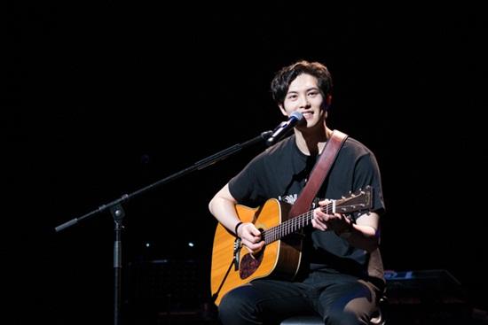 """Lee Jonghyun tham gia nhóm phát tán clip """"nóng"""" của Seungri, fan thất vọng cùng cực - Ảnh 2"""