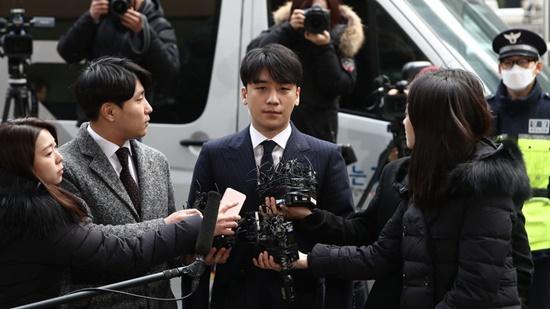 Bê bối tình dục của Seungri khiến Chủ tịch YG - Yang Hyun Suk bị khiếu kiện - Ảnh 2