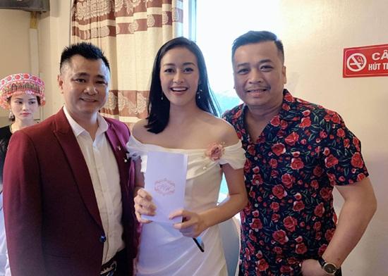 Dàn nghệ sĩ tụ họp tưng bừng trong đám cưới NSND Trung Hiếu và vợ kém 19 tuổi - Ảnh 2