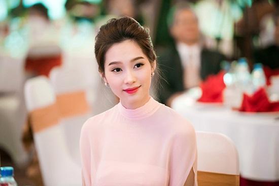 """Hình ảnh mới nhất thể hiện """"nhan sắc mặn mà"""" của hoa hậu Đặng Thu Thảo - Ảnh 6"""