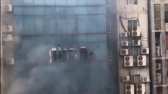 19 nạn nhân thiệt mạng, gần 100 người bị thương trong vụ hỏa hoạn ở Bangladesh - Ảnh 2