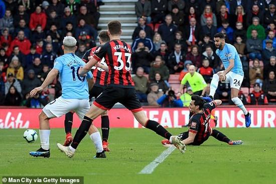 """Kết quả Ngoại hạng Anh ngày 3/3: MU vào top 4, Arsenal """"đánh rơi"""" chiến thắng - Ảnh 3"""