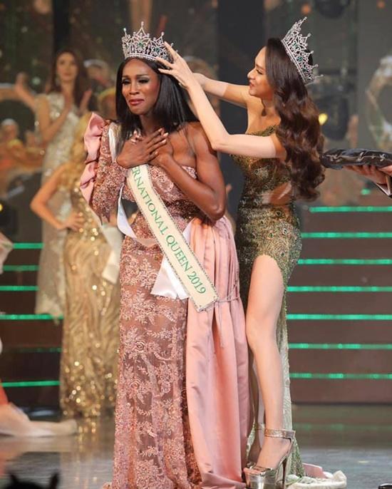 Người đẹp Mỹ đăng quang Hoa hậu Chuyển giới 2019 trong tranh cãi - Ảnh 3