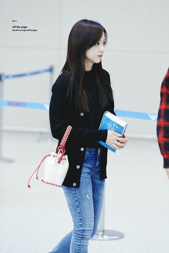 Thời trang sân bay đơn giản nhưng đầy cuốn hút của Jisoo - Black Pink - Ảnh 5