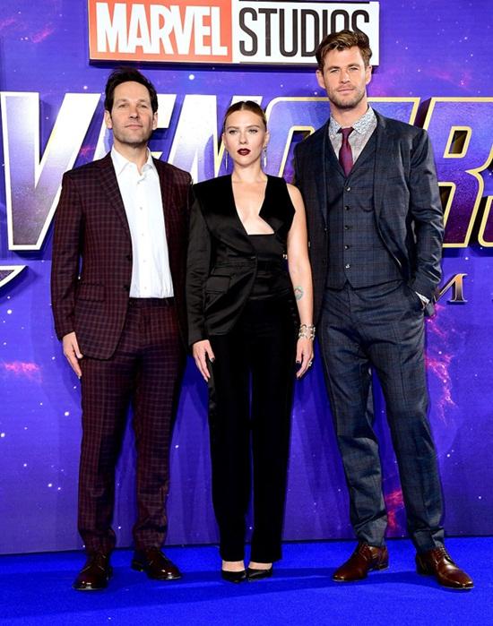 """Black Widow"" Scarlett Johansson quá đỗi gợi cảm trên thảm đỏ ""Avengers: Endgame"" - Ảnh 5"