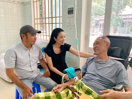 Tình hình mới nhất về sức khỏe của nghệ sĩ Lê Bình khiến khán giả lo lắng - Ảnh 1