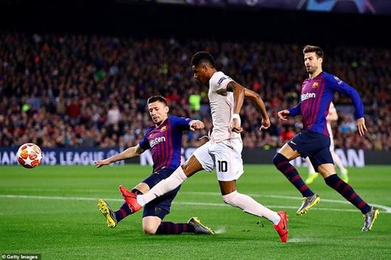 """Messi quá xuất sắc, Barca """"vùi dập"""" M.U thẳng tiến bán kết Cúp C1 - Ảnh 1"""