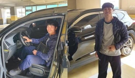 Điều đầu tiên Công Phượng làm sau khi tậu ô tô mới ở Hàn Quốc - Ảnh 1