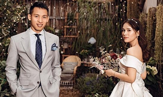 Tiền vệ tuyển Việt Nam Đỗ Hùng Dũng thông báo kết hôn, cô dâu là mối tình đầu - Ảnh 1