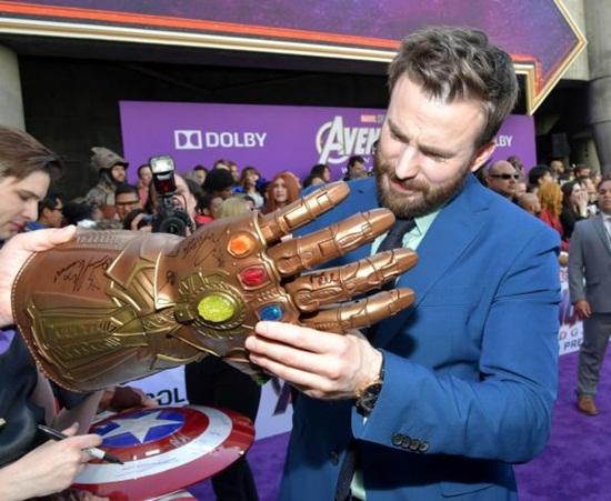 """Dàn siêu anh hùng quyền lực trên thảm tím """"Avengers: Endgame"""" - Ảnh 2"""