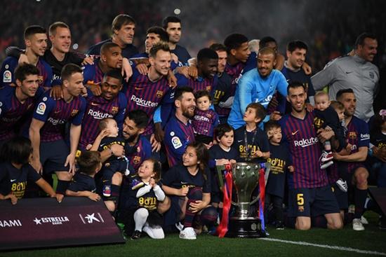 Messi lập công, Barca nâng cúp vô địch La Liga sớm 3 vòng đấu - Ảnh 3