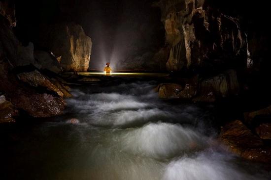 Bí ẩn mới của hang Sơn Đoòng được nhóm thợ lặn từng giải cứu đội bóng Thái Lan phát hiện - Ảnh 1