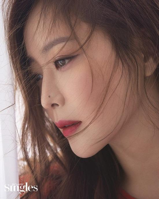 """Vẻ đẹp đỉnh cao ở tuổi 42 khiến Kim Hee Sun được ca ngợi là """"quốc bảo nhan sắc"""" - Ảnh 9"""
