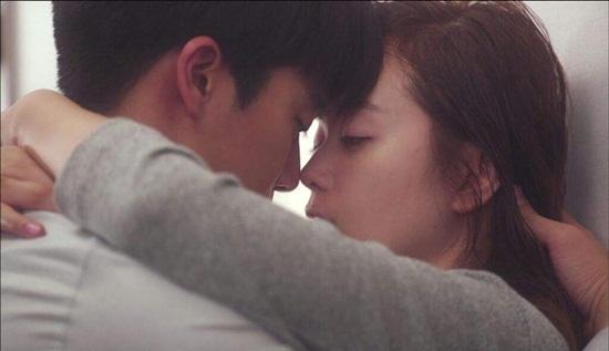 Những nụ hôn quá đỗi nóng bỏng trong phim Hàn khiến fan cũng ngượng ngùng khi xem - Ảnh 4