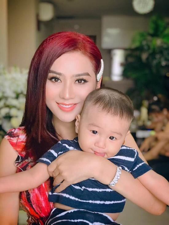 Tin tức giải trí mới nhất ngày 18/5/2019: Lâm Khánh Chi khoe con trai siêu đáng yêu - Ảnh 1