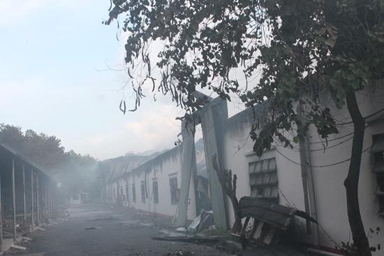 '. Đồng Nai: Cháy lớn thiêu rụi nhà xưởng rộng hàng trăm mét vuông .'