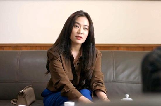 """Tranh cãi về diễn xuất của Hoàng Thùy Linh trong """"Mê cung"""" - Ảnh 1"""