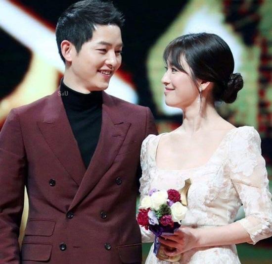Song Joong Ki khéo léo phủ nhận tin đồn ly hôn Song Hye Kyo - Ảnh 2