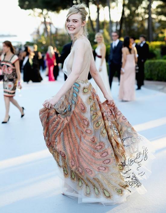 Nhan sắc nóng bỏng, đẹp như thiên thần của nữ giám khảo 21 tuổi tại LHP Cannes 2019 - Ảnh 5