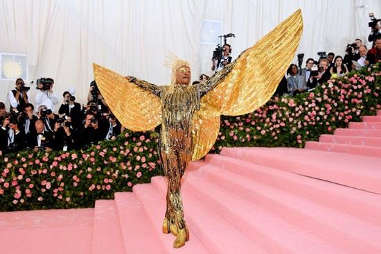 Thảm hồng Met Gala 2019: Lady Gaga 3 lần lột váy, Katy Perry hóa đèn chùm - Ảnh 9