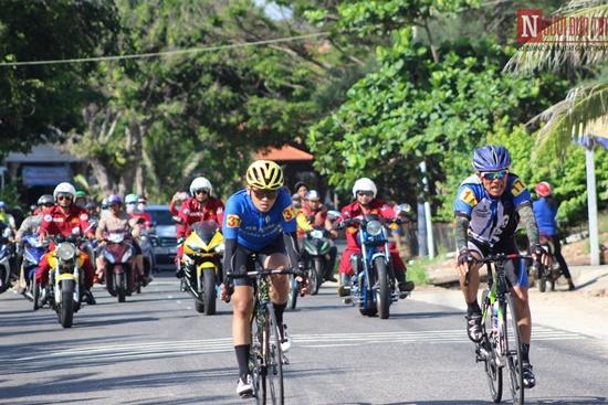Bình Thuận rộn ràng giải đua xe đạp vòng quanh núi Tà Cú - Ảnh 6