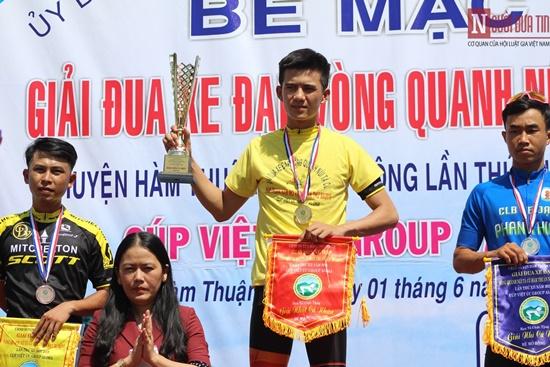 Bình Thuận rộn ràng giải đua xe đạp vòng quanh núi Tà Cú - Ảnh 9