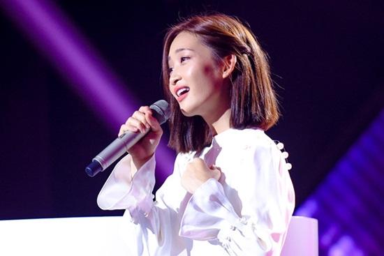Bị nghi thiên vị hotgirl Juky San tại Giọng hát Việt, Hồ Hoài Anh và NSX lên tiếng - Ảnh 1