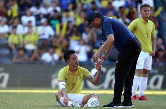 """Thất bại muối mặt tại King's Cup, báo Thái vẫn """"nói cứng"""" về việc đối đầu Việt Nam - Ảnh 1"""