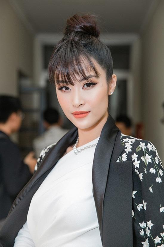 """Lý do khiến thí sinh Giọng hát Việt 2019 Hà Thu bị khán giả """"ném đá"""", nghệ sĩ chỉ trích - Ảnh 3"""
