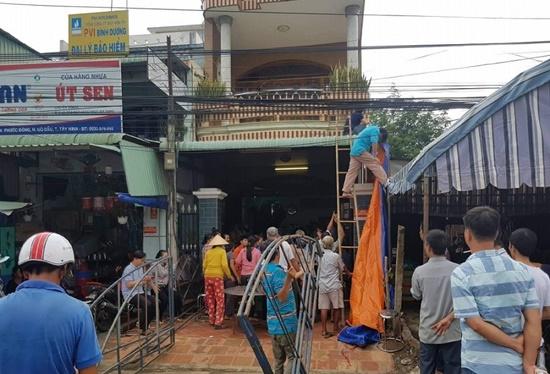 Vụ tai nạn khiến 5 người chết ở Tây Ninh: Cả nhà đang trên đường đi khám bệnh - Ảnh 1