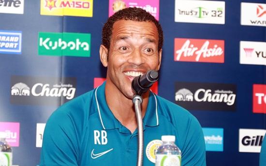 King's Cup 2019: HLV Curacao nói gì về Việt Nam trước trận chung kết? - Ảnh 1