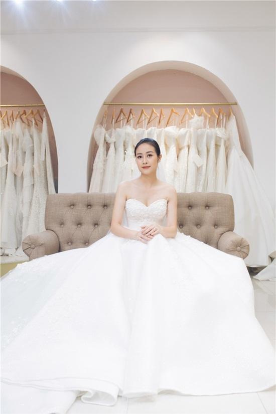 Quyết giữ kín về chú rể, MC Phí Linh tung bộ ảnh cưới xinh đẹp lộng lẫy - Ảnh 6