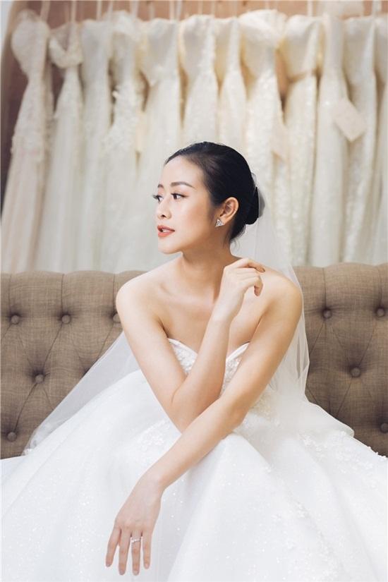 Quyết giữ kín về chú rể, MC Phí Linh tung bộ ảnh cưới xinh đẹp lộng lẫy - Ảnh 4