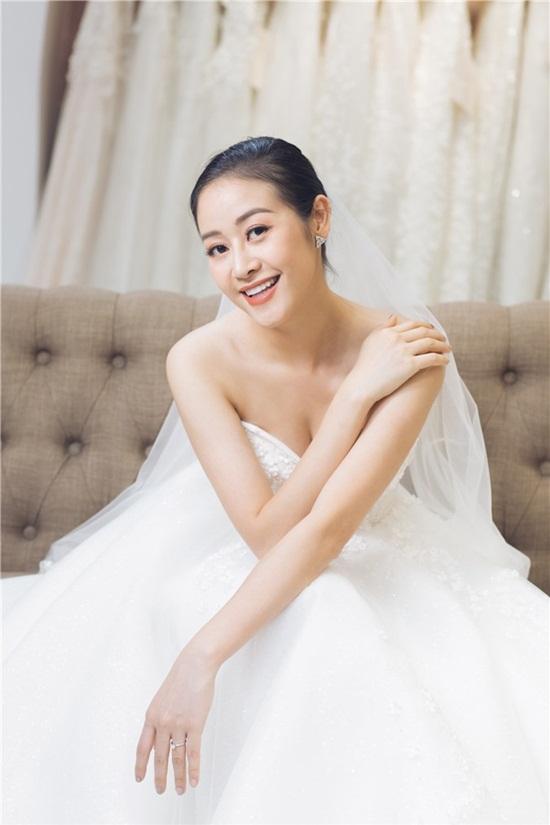 Quyết giữ kín về chú rể, MC Phí Linh tung bộ ảnh cưới xinh đẹp lộng lẫy - Ảnh 5